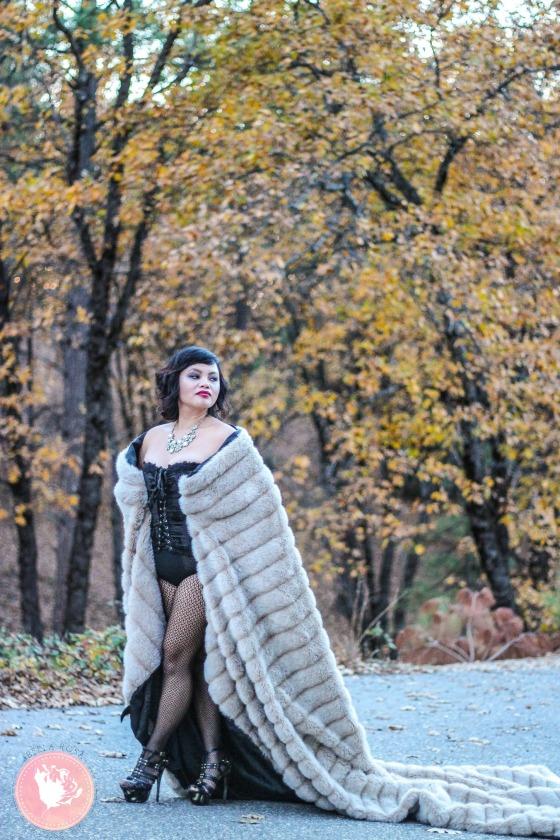 16-Outdoor-Boudoir-Glamour
